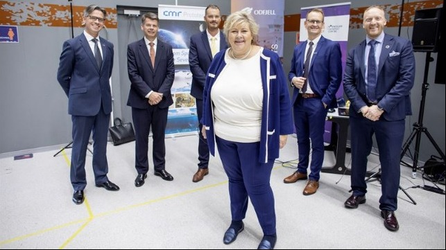 Image 2 caption: Bernt Skeie, CEO, Prototech, Harald Fotland, COO, Odfjell tankers, Odfjell's vice president of technology, Erik Hjortland, Hans-Petter Nesse, MD, Wärtsilä Norway, and Willy Vågen, CEO, Sustainable Energy Norwegian Catapult Centre with Norway's Prime Minister Erna Solberg at a presentation of the Fuel Cell project.