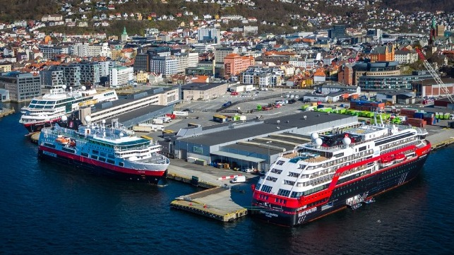 controversies in Norway as Hurtigruten seeks to address COVID-19 outbreak