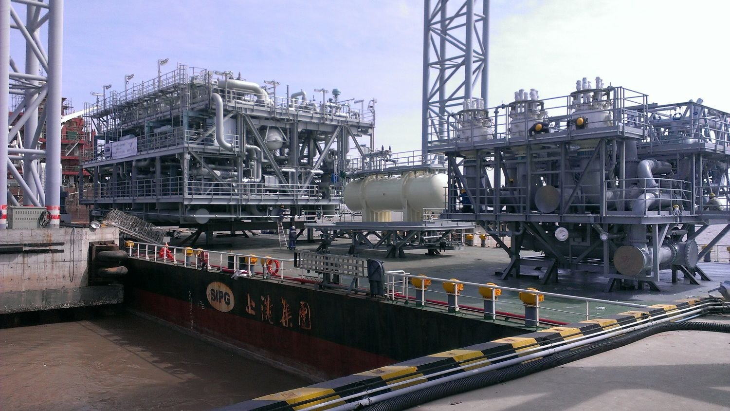 regasification module