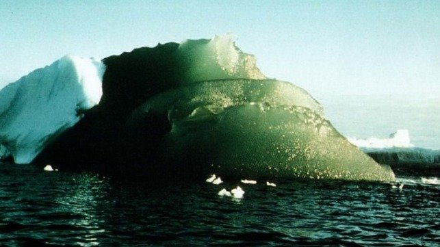 A green iceberg sighted in the Weddell Sea, Antarctica on February 16th, 1985. Credit: AGU/Journal of Geophysical Research: Oceans/Kipfstuhl et al 1992.