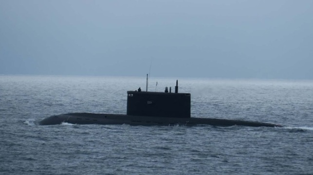 Kilo class sub Krasnodar in English Channel Royal navy