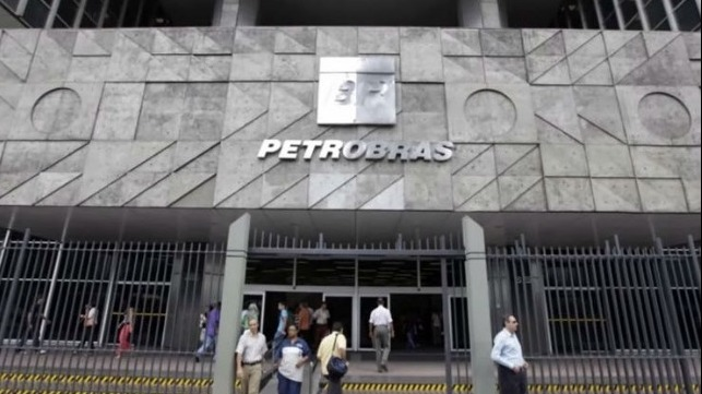 Petrobras Investigation Extends to Top Oil Trading Houses