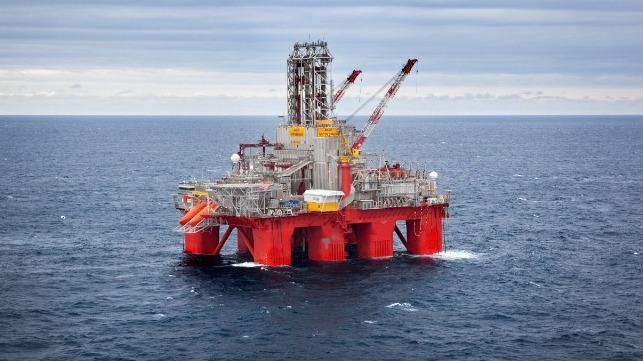 The Transocean Spitsbergen drilling rig. (Photo: Kenneth Engelsvold)
