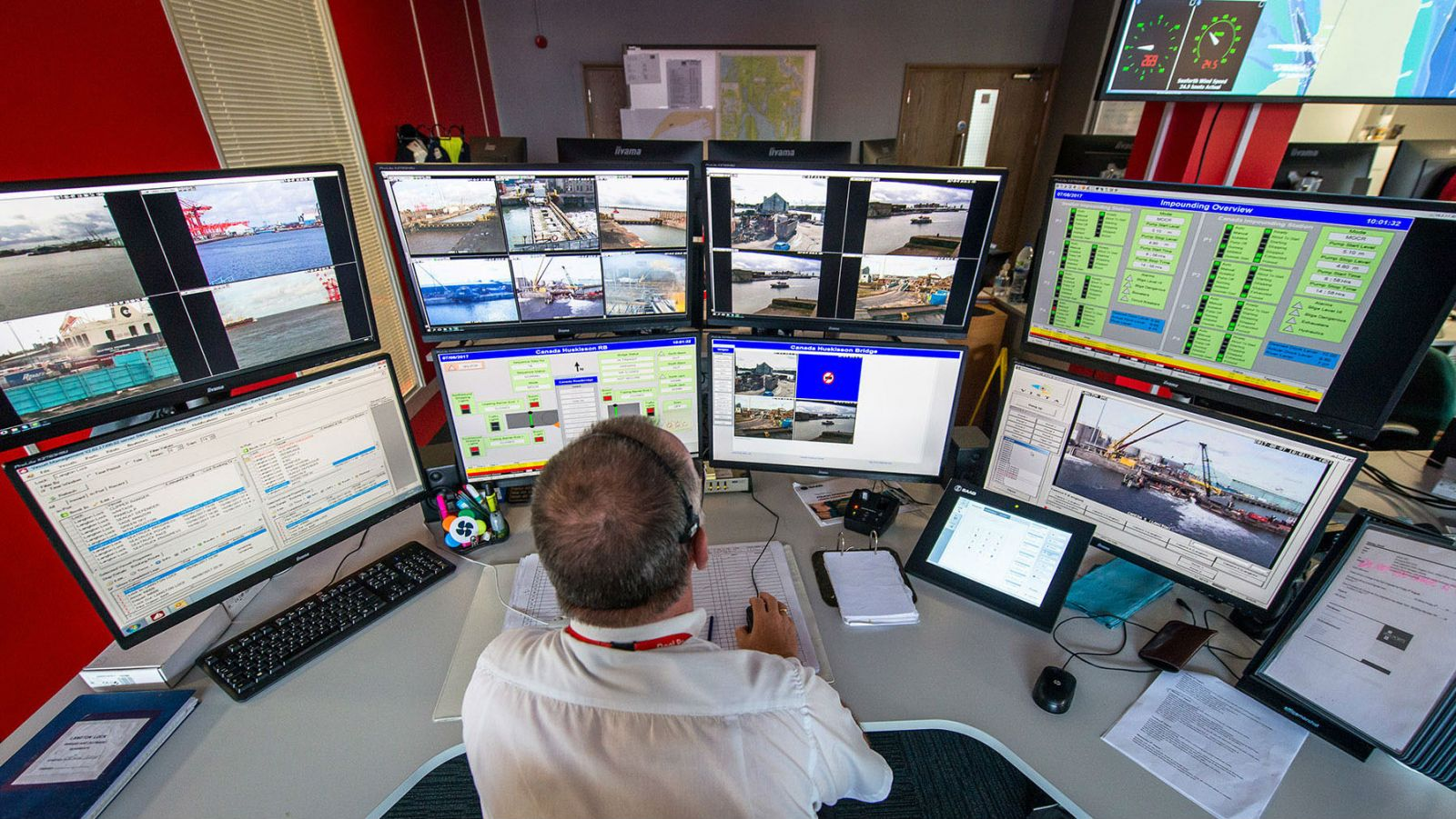U.K. Port Implements Air Traffic Control Technology