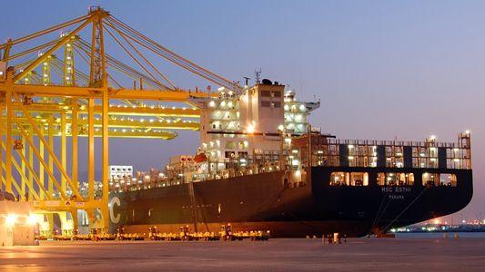 Gulf Carriers Halt Flights to Qatar Amidst Terrorism Concerns