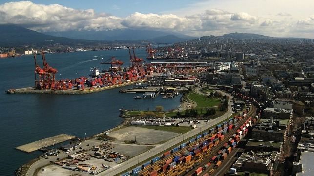 CP and Maersk to develop new transload facility in Vancouver