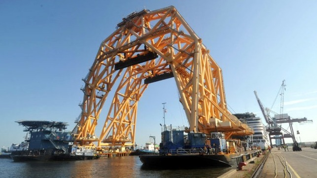 Lift crane arrives in Florida preparing for the Golden Ray lift