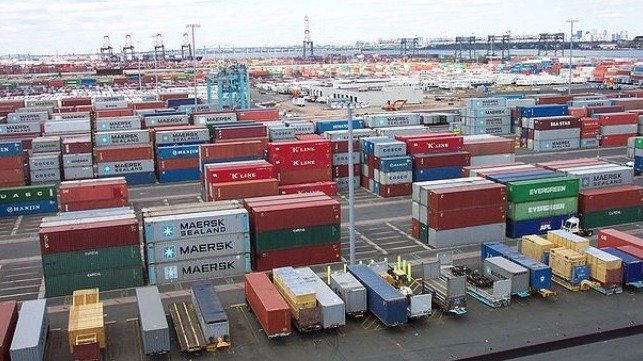 FMC investigates carriers and terminals over container fees