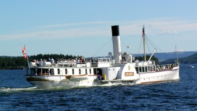 restoring machinery of 164-year old steamer